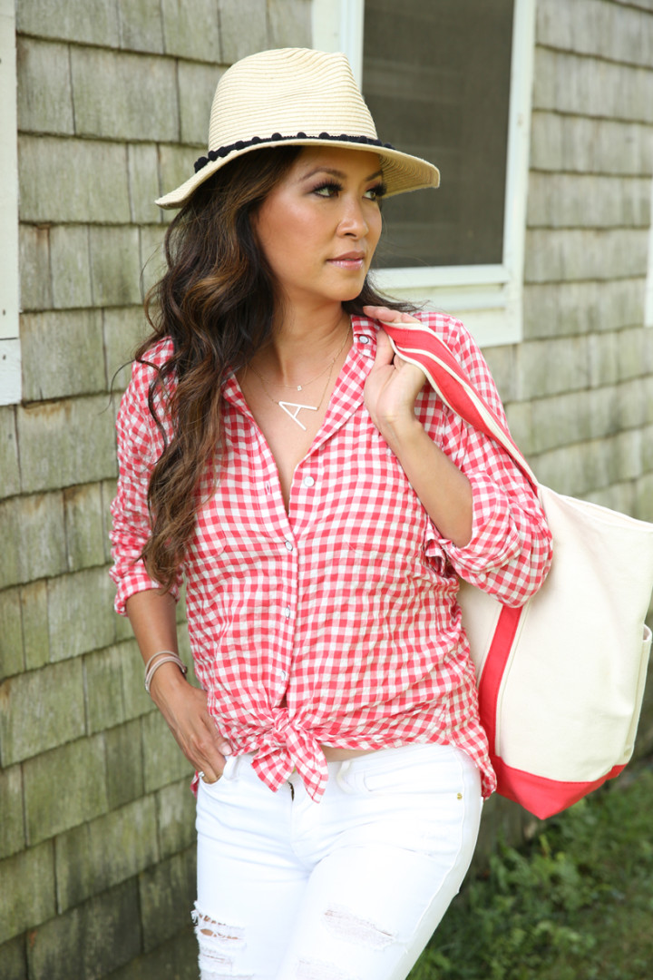 straw-hat-red-plaid-shirt-white-denim-A-necklace-IMG_7371